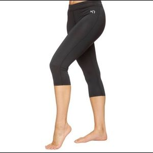 Kari Traa Nora Capri legging/black/small